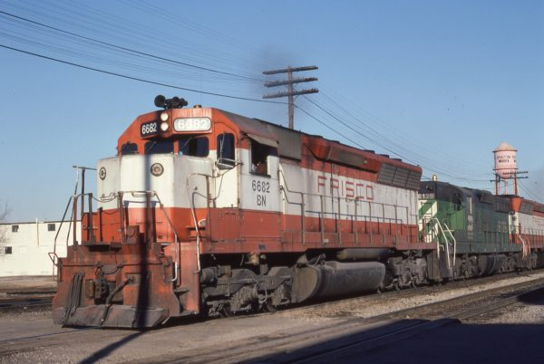 SD45 6682 (Frisco 934) at Memphis, Tennessee on February 15, 1982