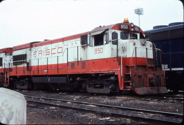 U30B 850 at Little Rock, Arkansas in November 1978