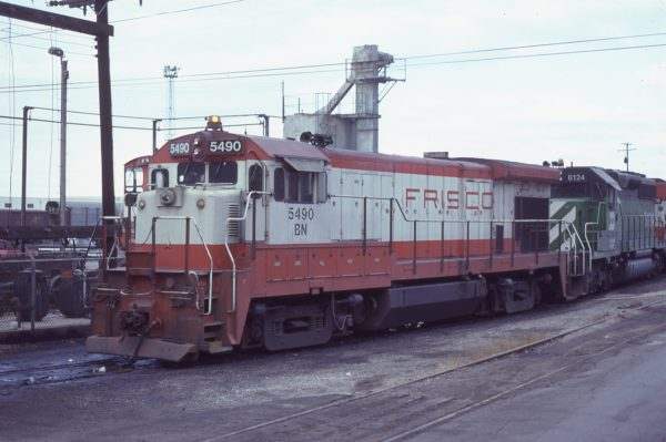 B30-7 5490 (Frisco 868) at Kansas City, Missouri on January 1, 1981 (G.H. Menge)