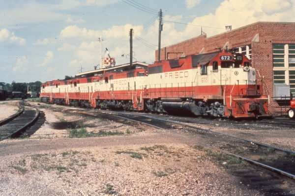 GP38-2 672, GP7 618 and GP7 590 at Fort Smith, Arkansas in August 1976 (Mike Condren)