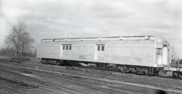 MOW 109123 at North Clinton, Missouri on December 11, 1975