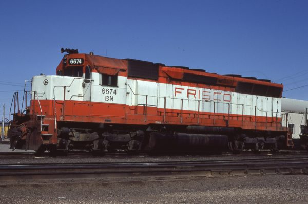 SD45 6674 (Frisco 925) at Council Bluffs, Iowa on May 10, 1981 (Jerry Bosanek)