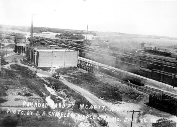 Monett, Missouri Yard with Ice House (1921)