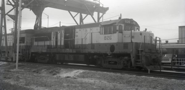 U25B 826 at Hamlet, North Carolina on July 12 1975 (R.D. Patton)