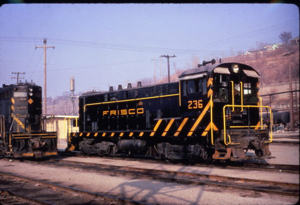 VO-1000 236 at Kansas City, Missouri in March 1967 (Al Chione)