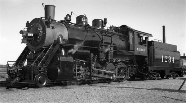 2-8-0 1284 at Enid, Oklahoma in 1940 (Ralph Graves)