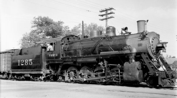 2-8-0 1285 at Enid, Oklahoma on September 25, 1939 (Ralph Graves)