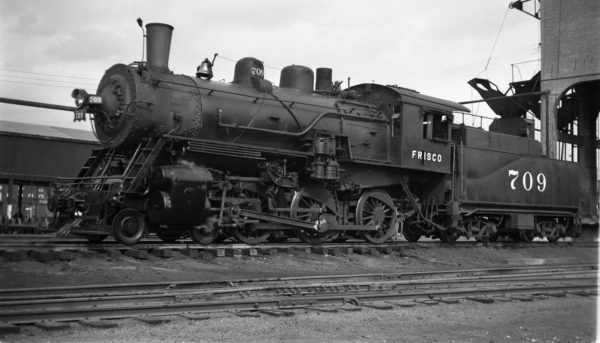 4-6-0 709 at Fort Smith, Arkansas on November 1, 1950 (Charlie Winters)