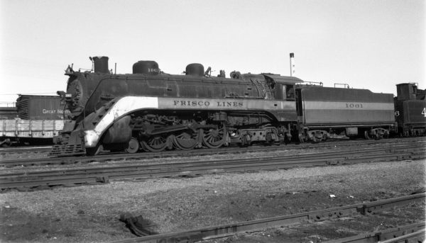 4-6-4 1061 at Springfield, Missouri on November 23, 1950 (Arthur B. Johnson)