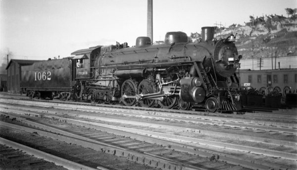 4-6-4 1062 at Kansas City, Missouri on May 21, 1958