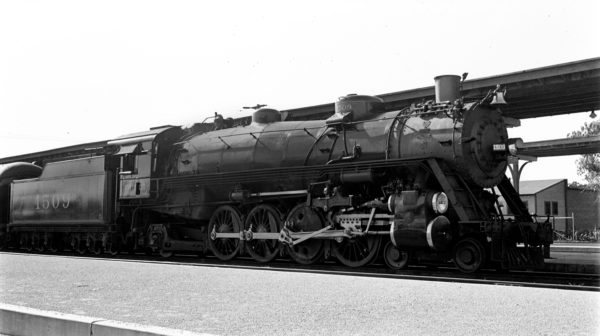 4-8-2 1509 at Oklahoma City, Oklahoma in May 1940