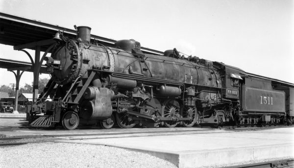 4-8-2 1511 at Oklahoma City, Oklahoma on October 19, 1946 (R.H. Kennedy)