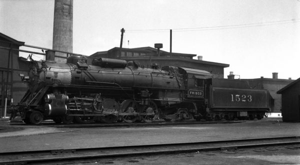 4-8-2 1523 at Tulsa, Oklahoma on May 20, 1938