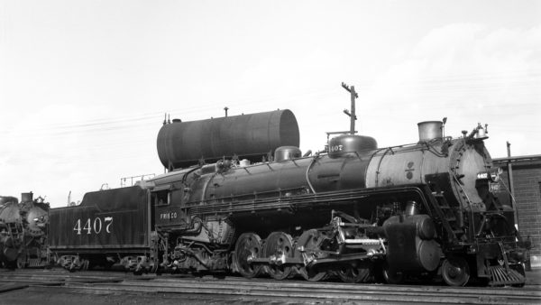 4-8-2 4407 at Lindenwood Yard, St. Louis, Missouri in May 1940