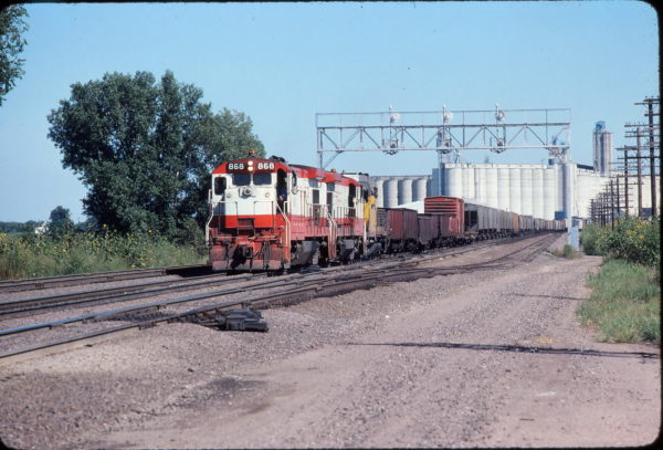 B30-7 868 at Topeka, Kansas on October 3, 1979
