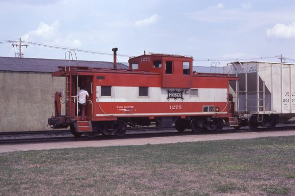 Caboose 1275 at Topeka, Kansas in June 1980