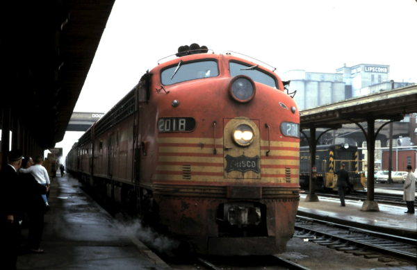 E8A 2018 and SW7 304 at Springfield, Missouri (date unknown)