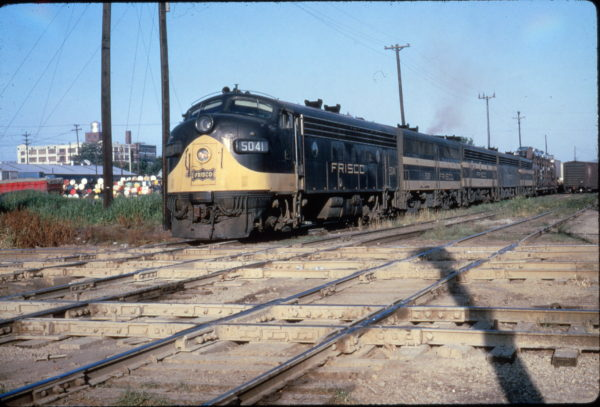 FP7 5041 at Memphis, Tennessee on May 28, 1966 (Al Chione)