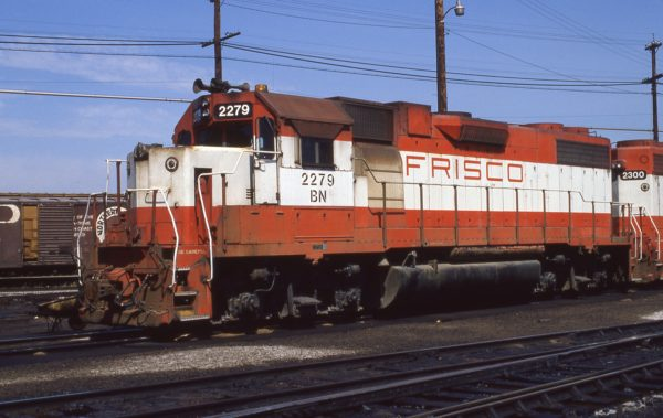 GP38-2 2279 (Frisco 424) at Kansas City, Missouri on May 21, 1981 (D.W. Golde)