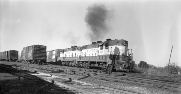 GP7s 630 and 629 at North Clinton, Missouri on October 18, 1975