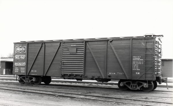 Outside-Braced Boxcar 163235