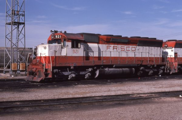 SD45 921 at Kansas City, Missouri on December 5, 1979 (Jerry Bosanek)