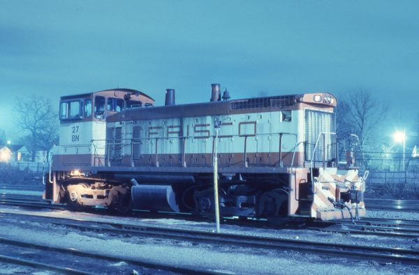 SW1500 27 (Frisco 322) at St. Louis, Missouri on February 24, 1982 (P.B. Wendt)
