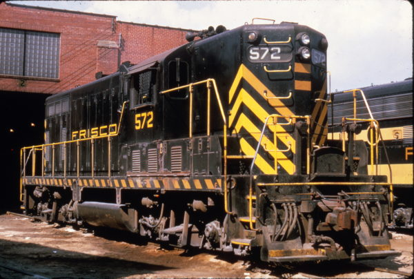 GP7 572 at Springfield, Missouri in July 1965 (Al Chione)