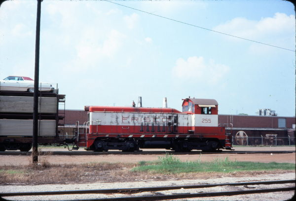 NW2 255 (location unknown) in September 1977