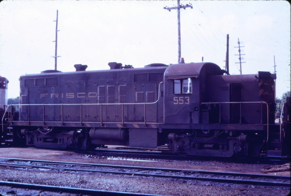 RS2m 553 at Springfield, Missouri (date unknown) (Mac Owen - Blackhawk Films)
