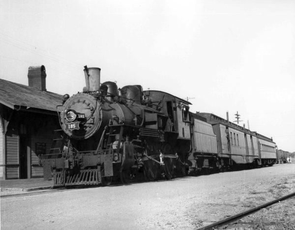 4-4-0 185 at Vernon, Texas in 1951 (J.T. McNamara)