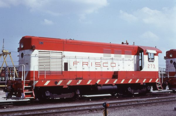 H-10-44 273 at Tulsa, Oklahoma in April 1971 (C.G. Parsons)