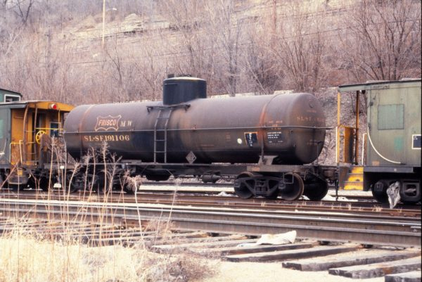 Tank Car 191106 in MOW service at Kansas City, Missouri in April 1988 (Bob Dye)