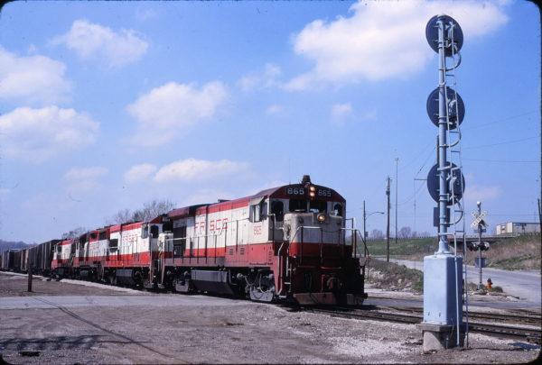 B30-7 865 and U30B 851 at Kansas City, Missouri on April 18, 1980 (John Benson)