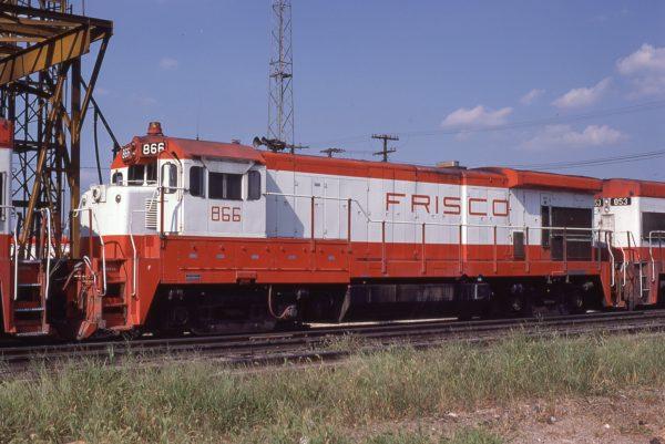 B30-7 866 at Springfield, Missouri on August 30, 1980 (P.B. Wendt)
