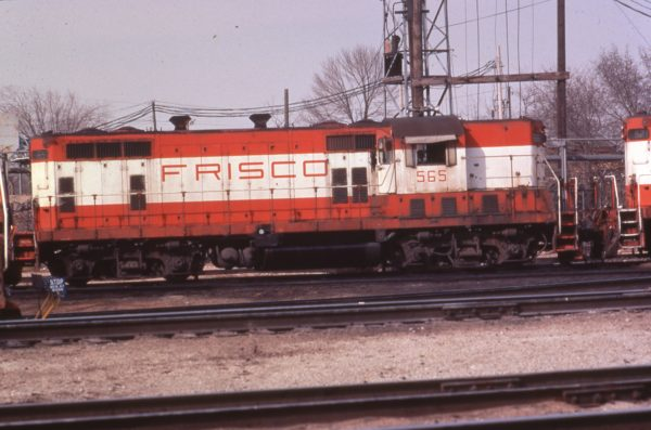 GP7 565 at Springfield, Missouri in 1979