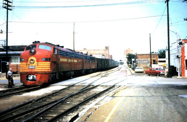 E8A 2019 (Cavalcade) at Springfield, Missouri in March 1965 (George Strombeck)