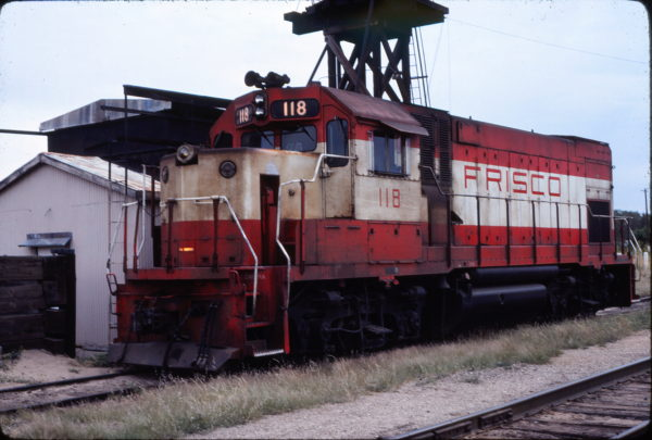 GP15-1 118 at Enid, Oklahoma in September 1980