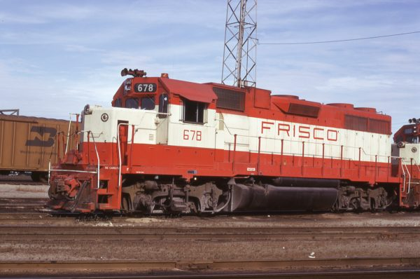 GP38-2 678 at Kansas City, Missouri on September 23, 1974 (David Hamley)