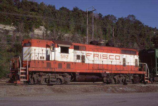 GP7 582 at Kansas City, Missouri on July 3, 1977 (J.C. Benson)