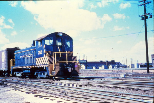 NW2 262 at Memphis, Tennessee in April 1956 (Rail Junction Slides)