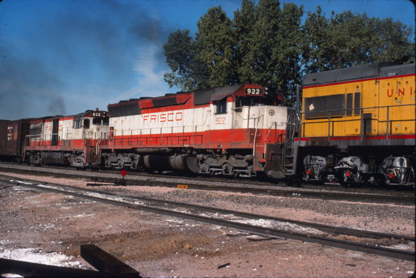 SD45 922 at Lawrence, Kansas on October 5, 1976 (Dan Warren)