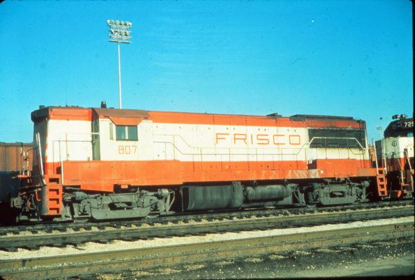 U25B 807 at Memphis, Tennessee in December 1976 (Vernon Ryder)