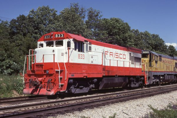 U30B 833 at Thayer, Missouri on June 29, 1979 (R.D. Acton)