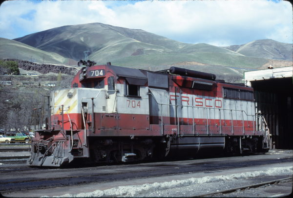 GP35 704 at Wishram, Washington on April 15, 1979 (Keith Ardinger)