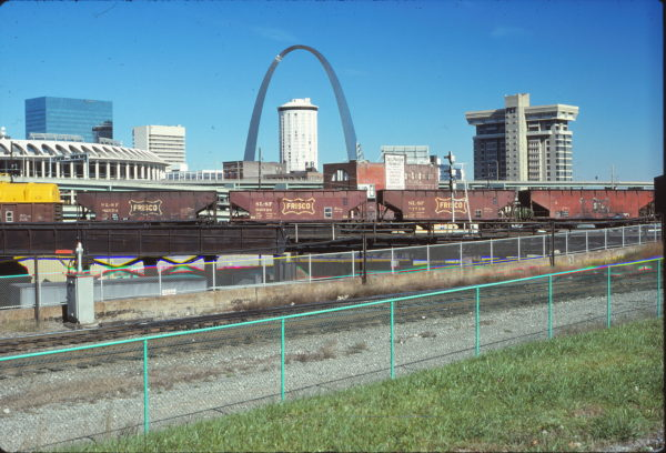 Hoppers in Downtown St. Louis on October 16, 1977