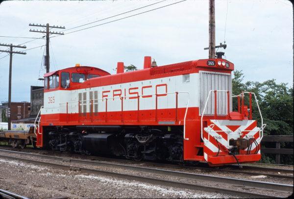MP15DC 365 at Springfield, Missouri on May 31, 1975 (David Cash)