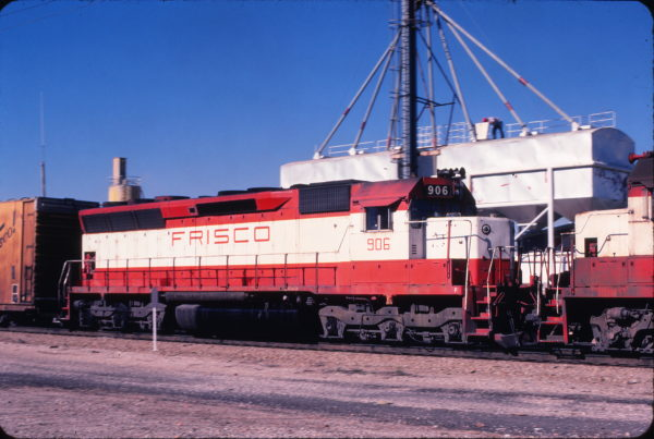 SD45 906 (location unknown) in December 1979 (Bob Dye)