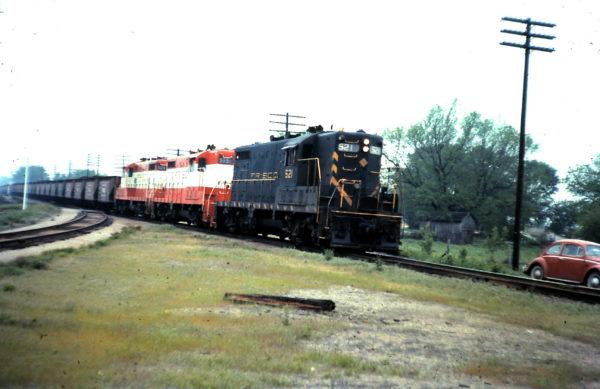 GP7s 521, 575 and 529 at Nichols Jct, Springfield, MO