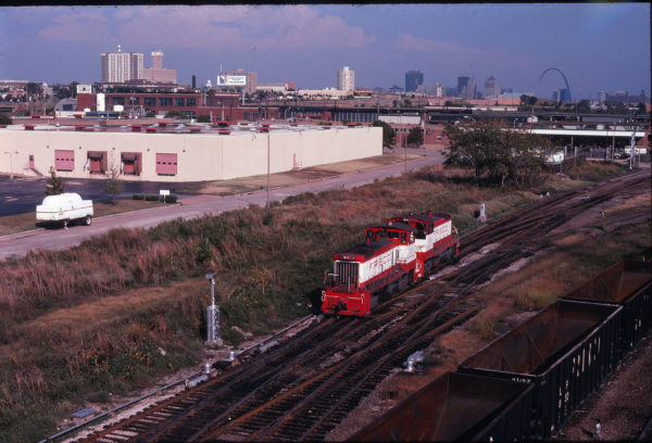 SW1500s 337 and 332 at St. Louis, Missouri in September 1978